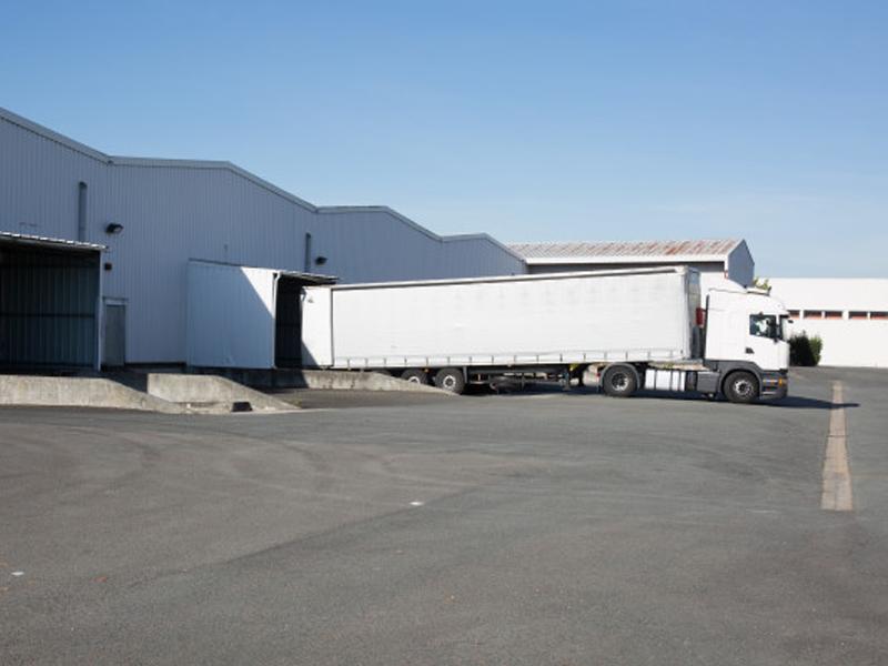 Camion TIR de 40 de tone pentru transport rutier de marfa